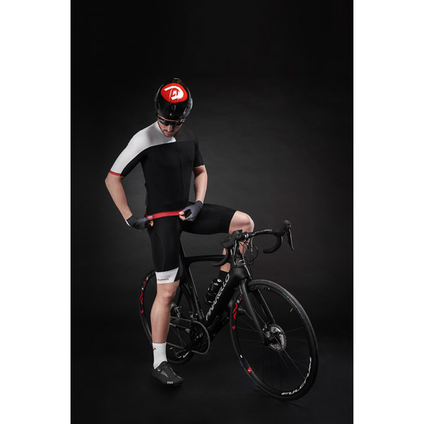 Pinarello kraťasy s trakmi POWER Think Asymmetric čierne/biele/červené